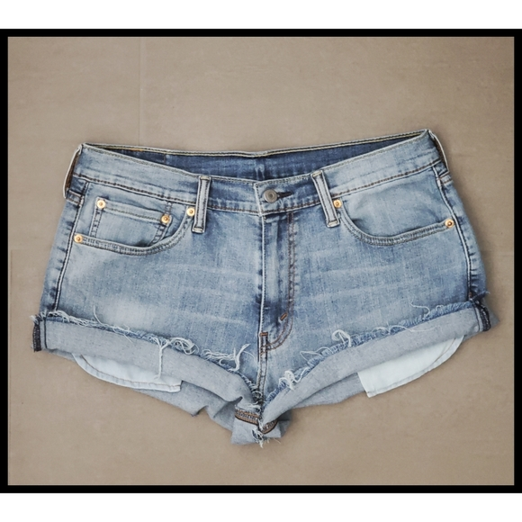 Levi's 541 Cutoff Boyfriend Denim Jean Shorts 32